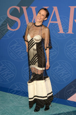 Guest - New York - 06-06-2017 - CFDA Awards 2017: ecco chi è la Bella in rosa sul blue carpet...