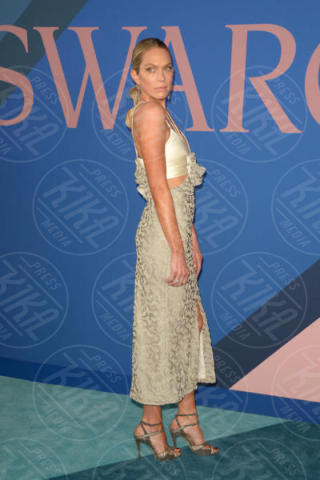 Erin Foster - New York - 06-06-2017 - CFDA Awards 2017: ecco chi è la Bella in rosa sul blue carpet...