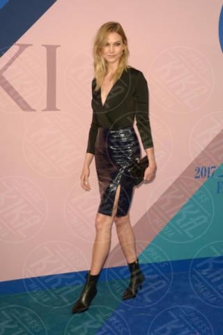 Karlie Kloss - New York - 06-06-2017 - CFDA Awards 2017: ecco chi è la Bella in rosa sul blue carpet...