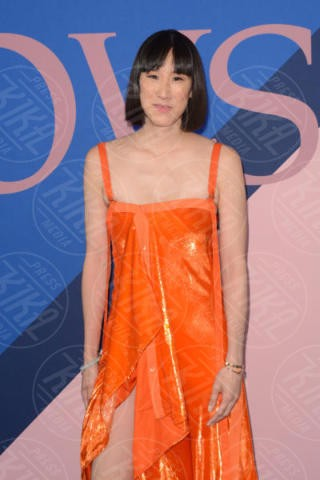 Eva Chen - New York - 06-06-2017 - CFDA Awards 2017: ecco chi è la Bella in rosa sul blue carpet...