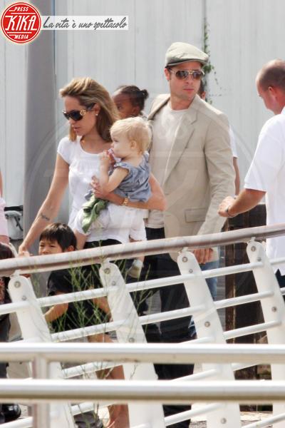 Angelina Jolie, Brad Pitt - Venezia - 04-09-2007 - Angelina Jolie e Brad Pitt faranno nascere i gemelli nel sud della Francia