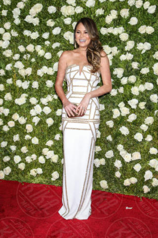 Chrissy Teigen - New York - 11-06-2017 - Scarlett Johansson & Co.: i Tony Awards sembrano gli Oscar