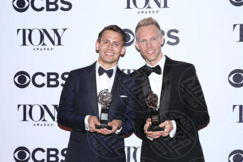 Benj Pasek, Justin Paul - New York - 11-06-2017 - Scarlett Johansson & Co.: i Tony Awards sembrano gli Oscar