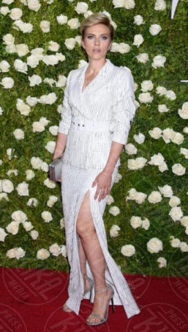 Scarlett Johansson - New York - 12-06-2017 - Scarlett Johansson e Romain Dauriac hanno divorziato