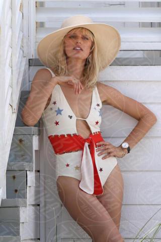 Karolina Kurkova - Miami - 15-06-2017 - Estate 2018: Bikini, trikini, intero, qual è il costume per te?