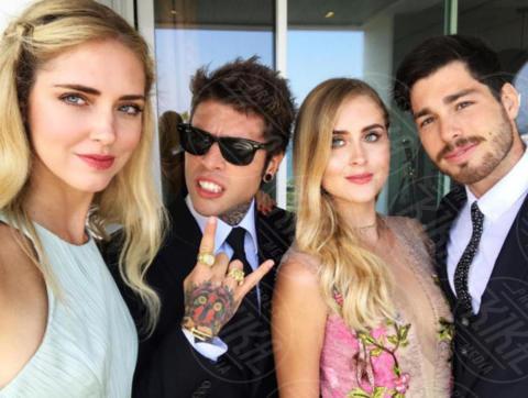 Valentina Ferragni, Luca Vezil, Fedez, Chiara Ferragni - Costa Azzurra - 18-06-2017 - X Factor 11: Chiara Ferragni sul tavolo dei giudici