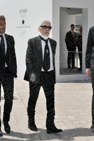 Karl Lagerfeld - Parigi - 16-06-2017 - Rihanna, dama bianca in pizzo dalla scollatura profonda