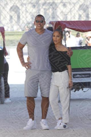 Alex Rodriguez, Jennifer Lopez - Parigi - 17-06-2017 - Jennifer Lopez e Alex Rodriguez: due innamoratini al Louvre