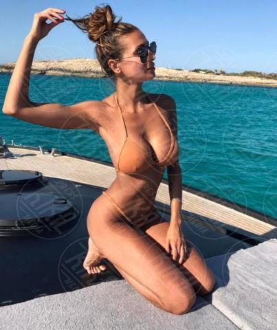 Cristina Buccino - 19-06-2017 - L'estate? È già arrivata, ed è bollente!