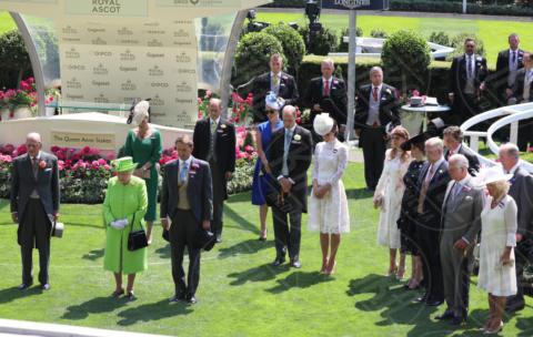 Principe Carlo, Regina Elisabetta II, Kate Middleton, Camilla Parker Bowles - Londra - 20-06-2017 - Royal Ascot 2017: Kate Middleton, look che vince non si cambia!