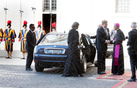 Regina Maxima d'Olanda, Re Willem-Alexander d'Olanda - Roma - 22-06-2017 - Maxima d'Olanda in nero e in lungo da Papa Francesco