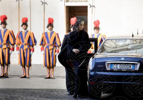 Regina Maxima d'Olanda, Guardie Svizzere - Città del Vaticano - 22-06-2017 - Maxima d'Olanda in nero e in lungo da Papa Francesco