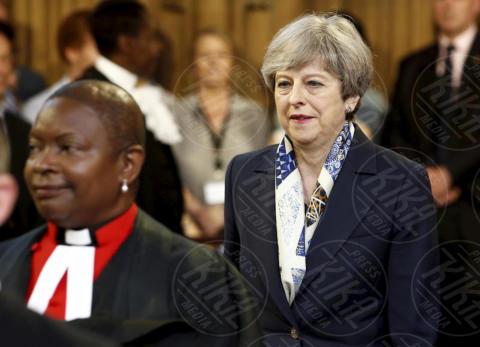 Theresa May - Londra - 21-06-2017 - Elisabetta II ha l'Europa in testa all'apertura del Parlamento?