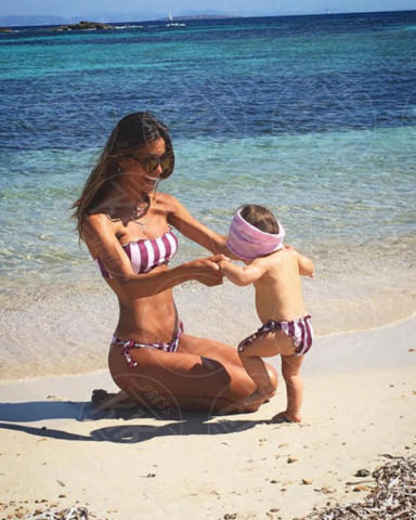 Federica Nargi - Formentera - 23-06-2017 - La mamma più sexy in spiaggia? È lei, la riconosci?
