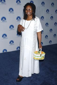 "Whoopi Goldberg - Hollywood - 14-07-2002 - ""Wake up With Whoopi"", la medium di ""Ghost"" passa alla radio"