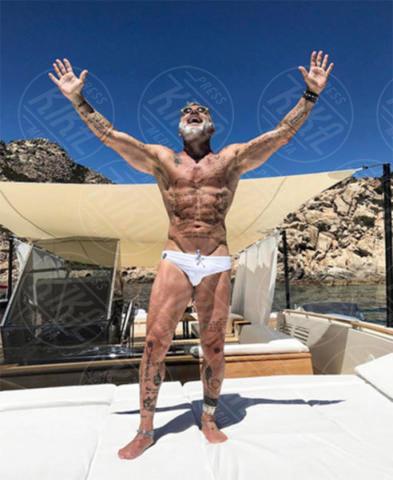 Gianluca Vacchi - Milano - 23-06-2017 - Gianluca Vacchi fa crack, altro che #Enjoy...
