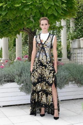 Emma Watson - Parigi - 22-06-2017 - Emma Watson, sofisticata e bon ton a Parigi per The Circle