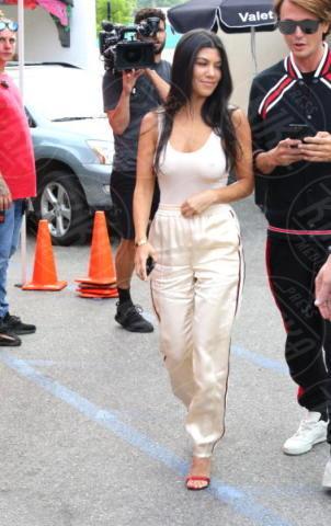 Kourtney Kardashian - Sherman Oaks - 05-05-2017 - Tuta da ginnastica e tacchi alti? C'è chi può!