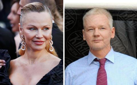 Pamela Anderson, compie 50 anni la bagnina più sexy del mondo