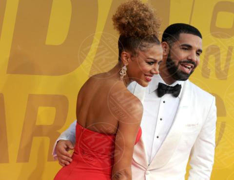 Rosalyn Gold-Onwude, Drake - New York - 27-06-2017 - NBA Awards, trasparenze da capogiro per Jada Pinkett-Smith