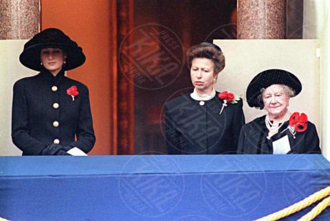 08-11-1992 - Kate Middleton e Lady Diana, lo stile è lo stesso