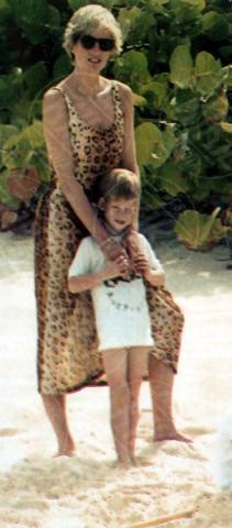 04-11-1990 - Kate Middleton e Lady Diana, lo stile è lo stesso