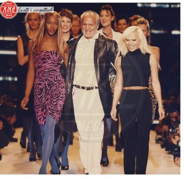 Gianni Versace, Donatella Versace, Naomi Campbell - Gianni Versace moriva 20 anni fa: il ricordo della moda