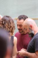 Kasia Smutniak, Stefano Accorsi - Reggio Emilia - 15-07-2017 - Stefano Accorsi lavora sul set, il piccolo Lorenzo lo guarda!