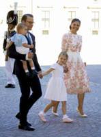 Principessa Estelle di Svezia, Principe Oscar di Svezia, Principe Nicolas, Principessa Vittoria di Svezia, Daniel Westling - Stoccolma - 14-07-2017 - Victoria ed Estelle di Svezia: l'outfit è sempre coordinato!