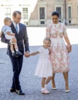 Principessa Estelle di Svezia, Principe Oscar di Svezia, Principessa Vittoria di Svezia, Daniel Westling - Stoccolma - 14-07-2017 - Victoria ed Estelle di Svezia: l'outfit è sempre coordinato!
