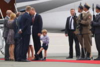 Prince George, Principessa Charlotte Elizabeth Diana, Principe George, Prince William, Principe William, Kate Middleton - WARSAW - 17-07-2017 - Baby George in Polonia: la danza del disagio e imbarazzo