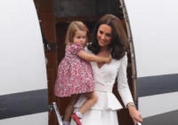 Principessa Charlotte, Kate Middleton - WARSAW - 17-07-2017 - Baby George in Polonia: la danza del disagio e imbarazzo
