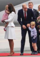 Principessa Charlotte, Principe George, Principe William, Kate Middleton - WARSAW - 17-07-2017 - Baby George in Polonia: la danza del disagio e imbarazzo