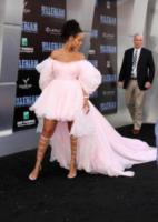 Rihanna - Los Angeles - 17-07-2017 - Chi lo indossa meglio? Dua Lipa e Chiara Ferragni