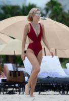 Sarah Snyder - Miami Beach - 22-07-2017 - Estate 2018: Bikini, trikini, intero, qual è il costume per te?
