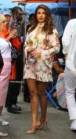 Priyanka Chopra - New York - 24-07-2017 - Priyanka Chopra rinfresca l'alito sul set di Isn't it Romantic