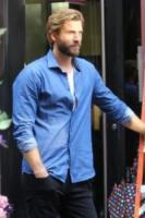 Liam Hemsworth - New York - 24-07-2017 - Priyanka Chopra rinfresca l'alito sul set di Isn't it Romantic