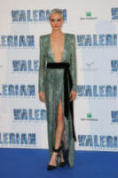 Cara Delevingne - Saint-Denis - 25-07-2017 - Chi lo indossa meglio? Cara Delevingne e Bella Hadid