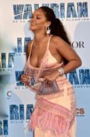 Rihanna - Parigi - 25-07-2017 - Rihanna bellissima e formosa: verrà ancora criticata?