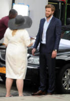 Rebel Wilson, Liam Hemsworth - New York - 25-07-2017 - New York: Liam Hemsworth, un cavaliere perfetto