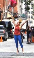 Amy Schumer - New York - 28-07-2017 - Amy Schumer sul set di I Feel Pretty con papà