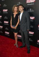 Sarah Webster, Luis Prieto - Hollywood - 01-08-2017 - Halle Berry mimetica per Kidnap: sul red carpet come in guerra!