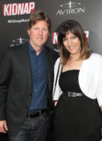 Erik Howsam, Elaine Goldsmith-Thomas - Hollywood - 01-08-2017 - Halle Berry mimetica per Kidnap: sul red carpet come in guerra!