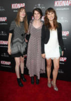 Ashley Snively, Kara Olsen, Alexa Meade - Hollywood - 01-08-2017 - Halle Berry mimetica per Kidnap: sul red carpet come in guerra!