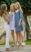 Principessa Sofia di Borbone, Principessa Leonor di Borbone - Palma de Mallorca - 31-07-2017 - Felipe e Letizia di Spagna, gruppo di famiglia in... esterna!