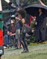 Zazie Beetz - Vancouver - 02-08-2017 - Zazie Beetz vola sul set di Deadpool 2