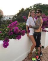 Fedez, Chiara Ferragni - Taormina - Fedez è gay? La risposta la dà Chiara Ferragni (e i suoi fan)