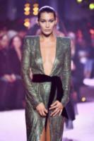 Bella Hadid - Parigi - 04-07-2017 - Chi lo indossa meglio? Irina Shayk e Bella Hadid