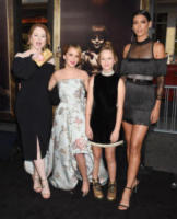 Lou Lou Wilson, Talitha Bateman, Stephanie Sigman, Miranda Otto - Hollywood - 07-08-2017 - Talitha Bateman è una bambola in fiore alla prima di Annabelle 2