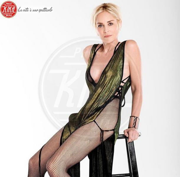 Sharon Stone - Hollywood - 08-08-2017 - Sharon Stone replica Basic Instinct su Instagram, web in delirio